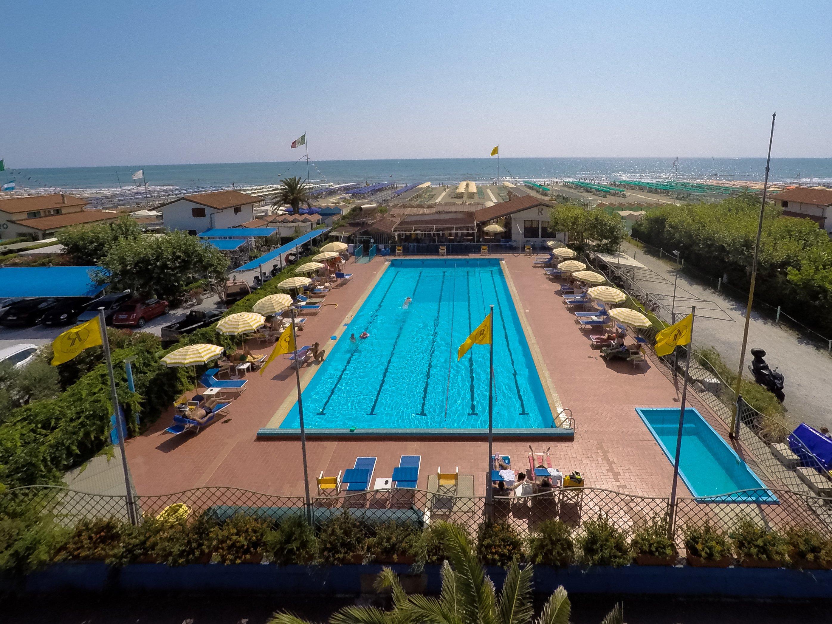 Bagno Raffaelli - La nostra piscina